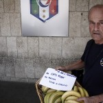 Da Bologna un cesto di banane per Tavecchio