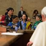 Papa Francesco: Terra, casa e lavoro diritti per tutti