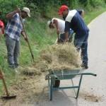 Aulo Crisma:  Lavori utili volontari svolti dai profughi del Bangladesh a Selva di Progno