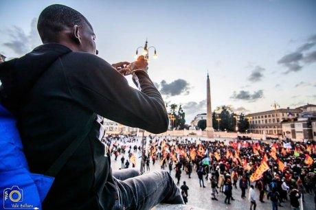 """Redazione Global Project: La manifestazione  di immigrati tenuta a Roma per chiedere """"Diritti senza confini"""""""