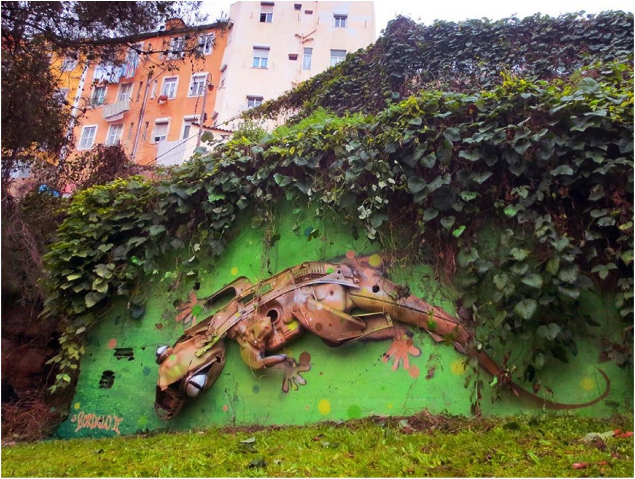 I coloratissimi animali fantastici di Bordalo II, artista di strada di Lisbona