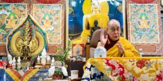 Dalai Lama: Pregare non è sufficiente. Dobbiamo combattere il coronavirus con la compassione