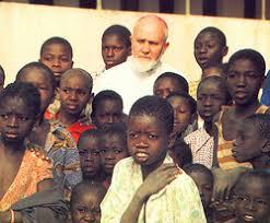Aulo Crisma: Settimio Ferrazzetta. Vita e pensiero di un frate francescano, primo Vescovo  della Guinea Bissau