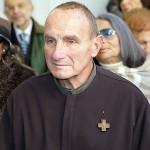 Don Giovanni Nicolini: Natale 2011 e l'homeless preso a calci e pugni
