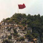 Gigi Ciscato: La bandiera rossa sulla Guglia degli operai compie vent'anni. Auguri!